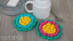 Crochet Blossom Scrubby - Flower Scrubbies for Kitchen or Bath - DIY Scrubbie Tutorial. Donna Wolfe from Naztazia . shows you how to crochet with Red Heart Scrubby yarn and make a cute Crochet Blossom Scrubby. These cotton scrubbies work great in the Crochet Kitchen, Crochet Home, Cute Crochet, Finger Crochet, Scrubby Yarn, Crochet Scrubbies, Dishcloth Crochet, Knitting Patterns, Crochet Patterns