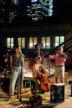Who knew Kiera Knightly could sing....Love this movie!! Begin Again