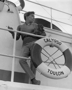 Simone Melchior Cousteau - so stylish. Jacques Yves Cousteau, Scuba Diving, Stylish, Lady, Inspiration, Film, School, Music, Books