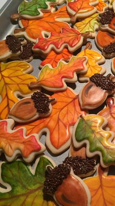 Fall leaves sugar cookies Amish Sugar Cookies, Chewy Sugar Cookies, Rolled Sugar Cookies, Sugar Cookie Frosting, Iced Cookies, Leaf Cookies, Fall Cookies, Pumpkin Cookies, Turkey Cookies