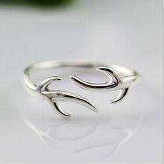 ru.aliexpress.com store product Simple-Luxury-925-Sterling-Silver-Rings-For-Women-Refinement-Smooth-Christmas-Antlers-Wedding-Ring-Open-Jewelry 1482361_32572179178.html?spm=2114.12010615.0.0.QyRoTe