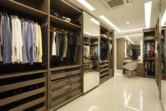 Closet do casal (De Arquitetura e Interior)