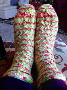 Knitting Socks, Leggings, Fashion, Knit Socks, Moda, Sock Knitting, Long Johns, Fasion, Fashion Illustrations