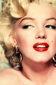 Herečka Marilyn Monroe by 1.června 2016 oslavila devadesáté narozeniny.