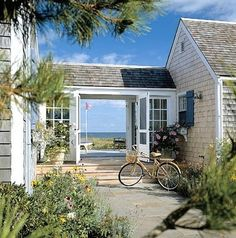 The perfect beach house entry