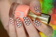 Intricate diamond geometric design by simplynailogical