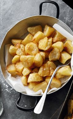 how to cook the best crunchy roast potatoes