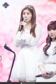 Dusty Rose Wedding, Yu Jin, Japanese Girl Group, Golden Child, Stage Outfits, Social Platform, Huda Beauty, Kpop Girls, Korean Girl