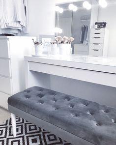 makeup makeup rooms 36 Trendy Makeup Room Design W Dressing Room Decor, Bedroom Dressing Table, Dressing Room Design, Dressing Room Closet, Dressing Tables, Makeup Dressing Table, Dressing Table Ideas Ikea, Dressing Table Inspo, Girls Dressing Room