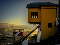 Vista del Ascensor Barón. Valparaíso Chile.