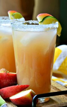 White Peach Margarita. Delicious way to relax and refresh after a long, hot summer day. #drink #recipe