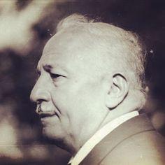 Prof. Dr. Necmettin Erbakan, Milli Görüş hareketi 1995 yılında aralarında Müslüman Kardeşler Cemiyeti eski Genel Mürşidi bugün de hapiste idamla yargılanan Muhammed Mehdi Akif'in de aralarında bulunduğu İhvan-ı Müslimin mensupları hakkında verilen idamı nasıl ipten aldı… İşte o tarihi ve ders alınacak olay Merhum Milli Görüş Lideri, eski Başbakan ve Saadet Partisi eski Genel Başkanı Prof.Dr.Necmettin Erbakan'ın yakın çalışma arkadaşınlardan 19. 20. 21 dönem Milletvekilliği ve Van Belediye…