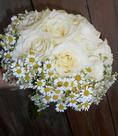 Chamomile And roses ! Greece Wedding, Rose Bouquet, White Roses, Wedding Bouquets, Wedding Day, Fantasy, Create, Flowers, Desserts