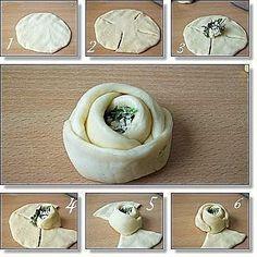Des brioches ou des petits pains fourrés en forme de rose - bake