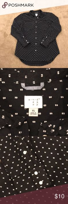 Black and white button up Great condition! Target brand Black and white patterned button up shirt. 100% Cotton. a new day Tops Button Down Shirts