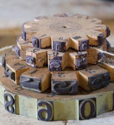 Vintage houten raderen van een datumstempel