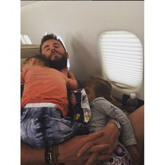 """""""Nothing better than sleeping in dad's arms!@chrishemsworth #naptime #lasiesta…"""