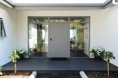 Entry that is spacious and open. A welcome statement for guests on arrival Entrance Ways, Stockholm, Plan, Life Hacks, Custom Design, Entryway, Exterior, Windows, Outdoor Decor