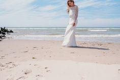 Body et jupe AGLAE #mariage #mariée #robe #Robedemariée #weddingdress #wedding #bride #bridetobe #lace #dentelle #plage #faitmain #artisanat #madeinfrance