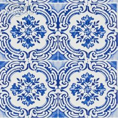 This classic wallpaper, which can be found in both the Carnets Andalous collection and Butterfly Parade, is a beautiful, printed pattern, featuring a vintage tiled design and a photographic feel of faded authenticity. Azulejos is inspired by the many influences of the Andalusian region of Southern Spain and this remarkable wallpaper will bring style and serenity to a room, thanks to its elegance and subtle antique tones.