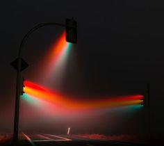 Lucky Rainbow: Time Lapse Pics of Traffic Light Piercing Fog