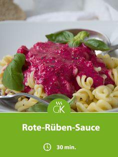 Rote-Rüben-Sauce passt perfekt zu gekochtem Rindfleisch oder Gnocchi. Kaufen sie schon vorgekochte und geschälte Rüben. Spaghetti, Gnocchi, Ethnic Recipes, Food, Beetroot, Beef, Easy Meals, Essen, Eten