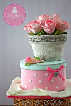 Antique pot cake class