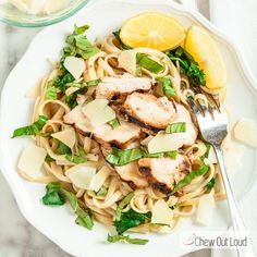 This Lemon Basil Chicken Linguine comes together in about 30 minutes, and tastes like you spent time on it! Refreshing, toothsome, and satisfying. Pasta Recipes, Chicken Recipes, Dinner Recipes, Cooking Recipes, Healthy Recipes, Chicken Linguine, Lemon Basil Chicken, Spinach And Cheese, Just Cooking