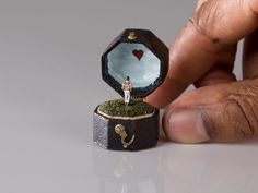 If you're a fan of anything tiny and intricate, then you'll appreciate these vintage jewellery boxes that open up to reveal microscopic human figurines and tiny painted scenes, all lovingly created by...