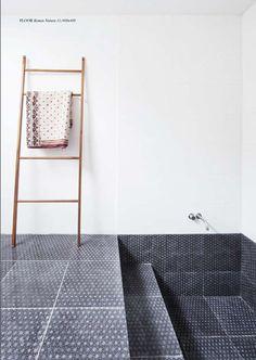 Tegels in huis Interieur design by nicole & fleur. Made a Mano tiles, hand made in Sicily, Caltagirone. Dream Bathrooms, Beautiful Bathrooms, Bathroom Storage, Bathroom Interior, Shower Storage, Bathroom Bath, White Bathroom, Bathroom Ideas, Sunken Tub