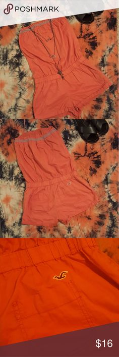 Hollister Romper Tie at neck. Change light blue Rick rack around top of Romper. Elastic at the waist. Too cute pockets on the bum! Medium Fits like a Small. Hollister Pants Jumpsuits & Rompers