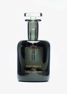 Glass Bottles, Perfume Bottles, Perfume Sale, Felt Pouch, Rain Clouds, Bottle Packaging, Orange Flowers, Package Design, Travel Size Products
