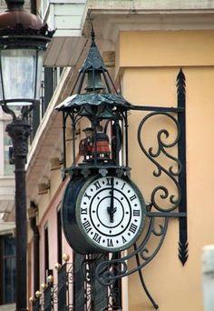 LOS GIGANTILLOS Detalle calles de Burgos Spain