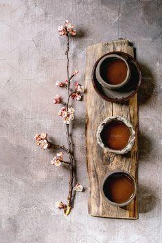 Tea drinking wabi sabi style by Natasha Breen on Wabi Sabi, Photographie Portrait Inspiration, Deco Nature, Tea Culture, Deco Table, Tea Ceremony, Chinese Tea, Ikebana, Drinking Tea