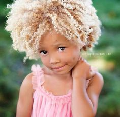 blond baby w/afro Pelo Natural, Natural Hair Care, Natural Hair Styles, Natural Curls, Natural Beauty, Beautiful Children, Beautiful Babies, Beautiful People, Pelo Afro