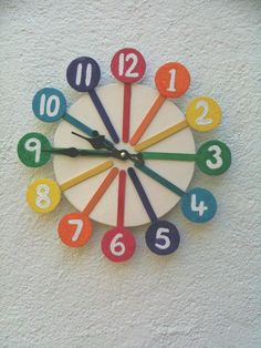 Colorful Clock Made From Popsicle Sticks Clock Craft, Diy Clock, Art N Craft, Craft Work, Popsicle Stick Crafts, Popsicle Sticks, Craft Stick Crafts, Paper Crafts, Craft Ideas
