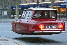 Citroen Hover Car Is this for real? Colani Design, Hover Car, Flying Car, Weird Cars, Futuristic Cars, Citroen Ds, Small Cars, Future Car, Amazing Cars