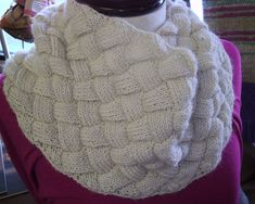 Free: Entrelac Made Easy pattern. Using only 1 skein, this cowl is the perfect introduction to Entrelac. Knit in the round, no side triangles used.