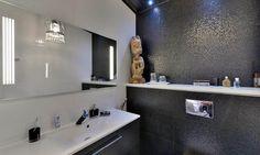 Kylpyhuoneen tehosteseinä // bathroom tiling