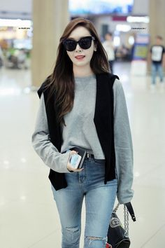 Snsd Fashion, Fashion 2017, Korean Fashion, Fashion Outfits, Yoona, Jessica Jung Fashion, Airport Style, Airport Fashion, Jessica & Krystal