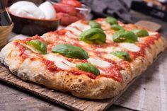 suosikkia Perfect Pizza, Good Pizza, Mozzarella, Pizza Recipes, Cooking Recipes, Authentic Italian Pizza, Focaccia Pizza, Best Homemade Pizza, Pizza Dough