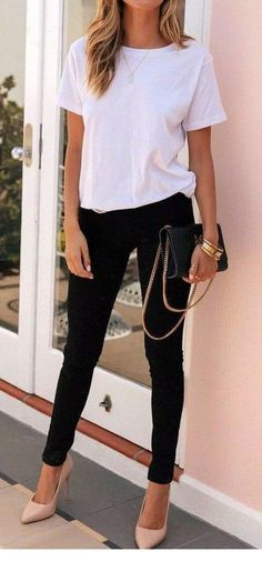 60 flawless spring outfits to copy now 27 ~ Litledress White Tshirt Outfit, Black Pants Outfit, White Shirt Black Jeans, Casual Fall Outfits, Spring Outfits, Cute Outfits, Oversized White T Shirt, Look T Shirt, Fashion Outfits