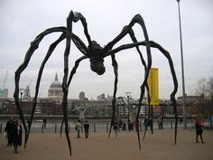 Estas São As 25 Esculturas E Estátuas Mais Criativas Do Mundo. Spider, Tate Modern, London, Inglaterra
