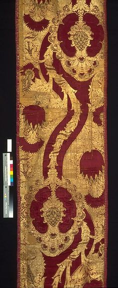 Red and gold hanging with artichoke or pineapple, and thistle motifs. The materials used are silk, metal and linen| Italian, possibly Florence (Late 15th century/high Renaissance | The Met