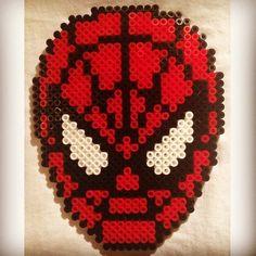 Spiderman hama perler beads by elinhareton