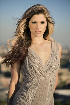 Cassadee Pope returns to 'The Voice' on Tuesday with new single