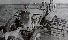 Las grandes fincas y la Compañía tenían tractores para fanguear y enterrar abono casi desde el inicio. Los colonos empezamos a mecanizarnos sobre los `60.