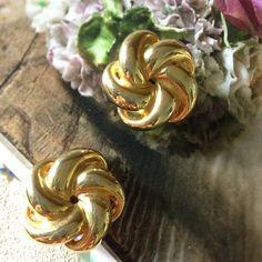 Gold Tone Vintage Clip Earrings
