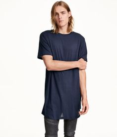 Extra long cotton T-shirt in navy blue melange. | H&M Divided Guys