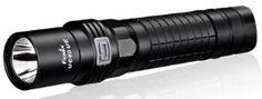 Linterna Fenix UC 40 UE, Auto-recargable, con 960 lumenes. Ilumina a 204 metros de distancia. 150 horas de duración en modo Bajo. 4 modos de iluminacion y 1 modo flash.